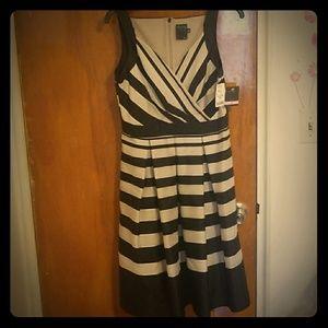 Brand New Gabby Skye Vintage style dress